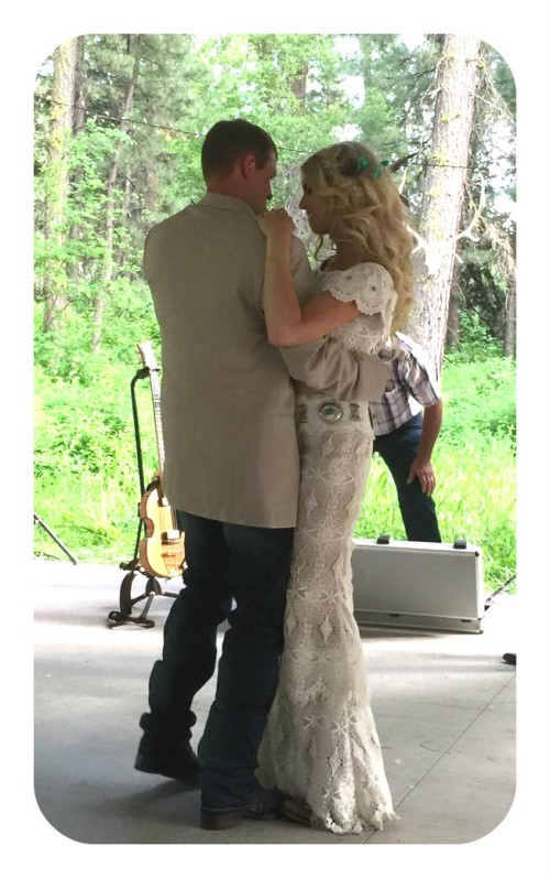 swing dance, thefirst2hours, wedding, country dance, cowboy, cowgirl, country, idaho, kansas, family, bride, groom