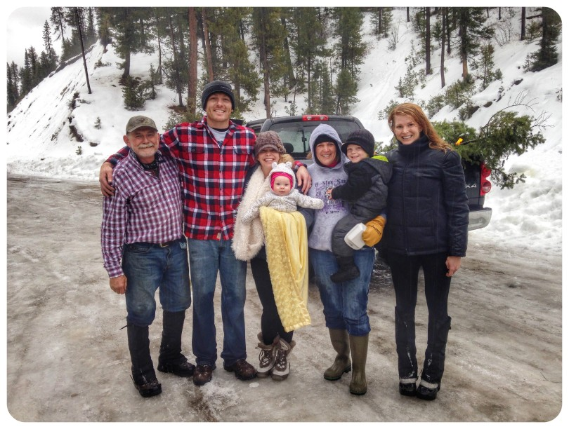 Cutting down a christmas tree, tree hunting, mountains, how to stay healthy over the holidays, health goals, idaho christmas tree hunting